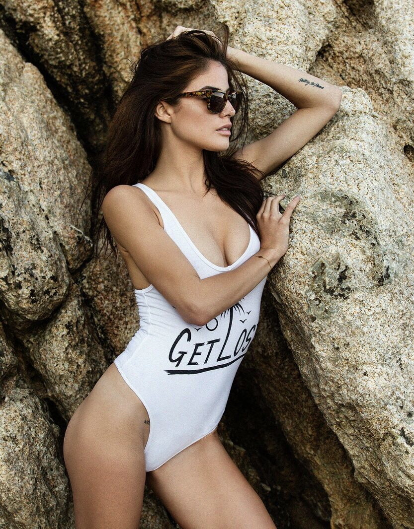 Balistarz-model-June-Peers-portrait-shoot-for-Get-Lost-in-a-white-swimsuit-at-the-beach