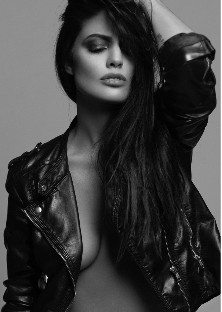 Balistarz-model-June-Peers-black-and-white-portrait-shoot-with-leather-jacket