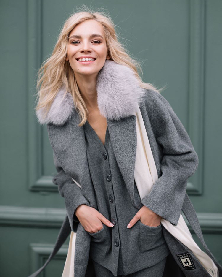 Balistarz-model-Liliya-Abraimova-profile-shoot-fur-coat-happiness