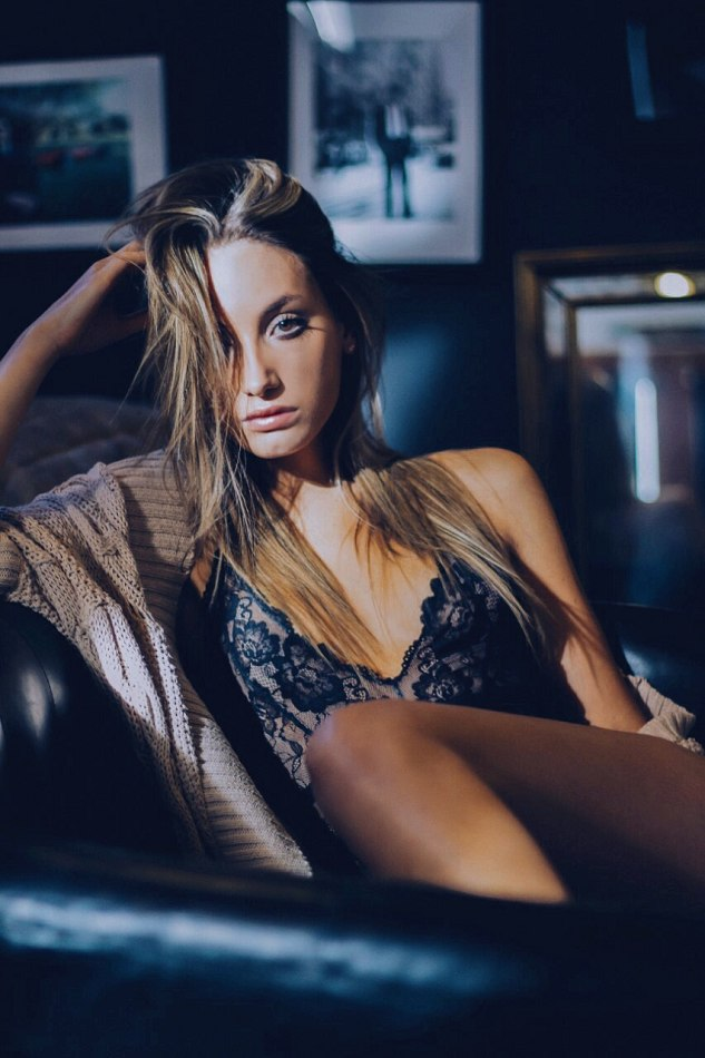 Balistarz-model-Lizette-Croes-in-sleepwear-awake-late-at-night-on-the-couch