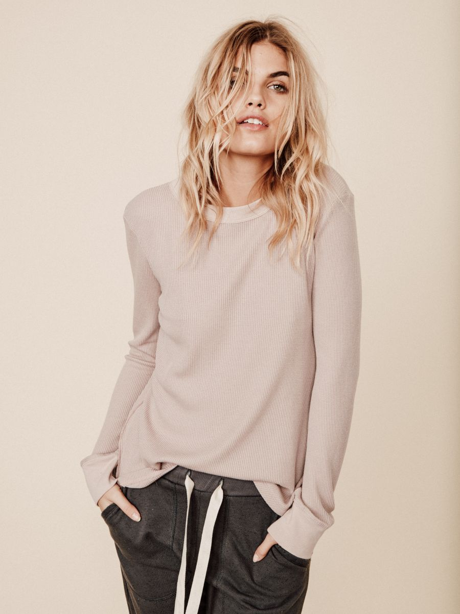 Balistarz-model-Louise-Mikkelsen-comfortable-in-her-casual-fashionable-outfits-sotf-pastel-colour-look