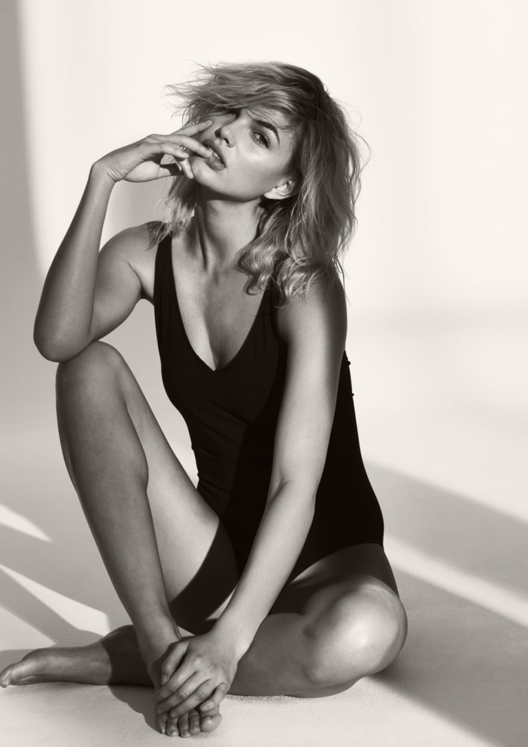 Balistarz-model-Louise-Mikkelsen-black-and-white-shot-wearing-woron-swim-suit-in-studio