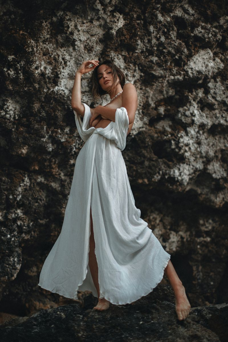 Balistarz-model-Luca-Lasseur-portrait-shoot-in-a-white-wrap-dress