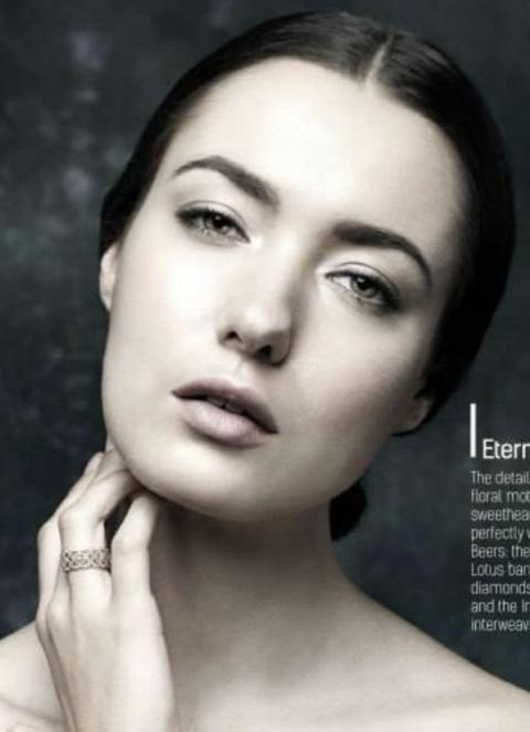 Balistarz-model-Marcella-Van-De-Leen-headshot-portrait-shoot-for-magazine