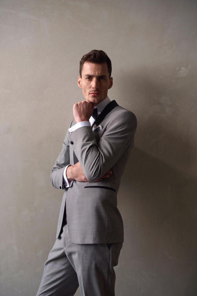 Balistarz-model-March-Deane-Profile-Portrait-Shoot-Grey-Suit