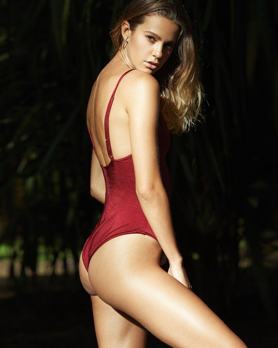 Balistarz-model-Maria-Zaitsseva-profile-shoot-in-red-swimwear