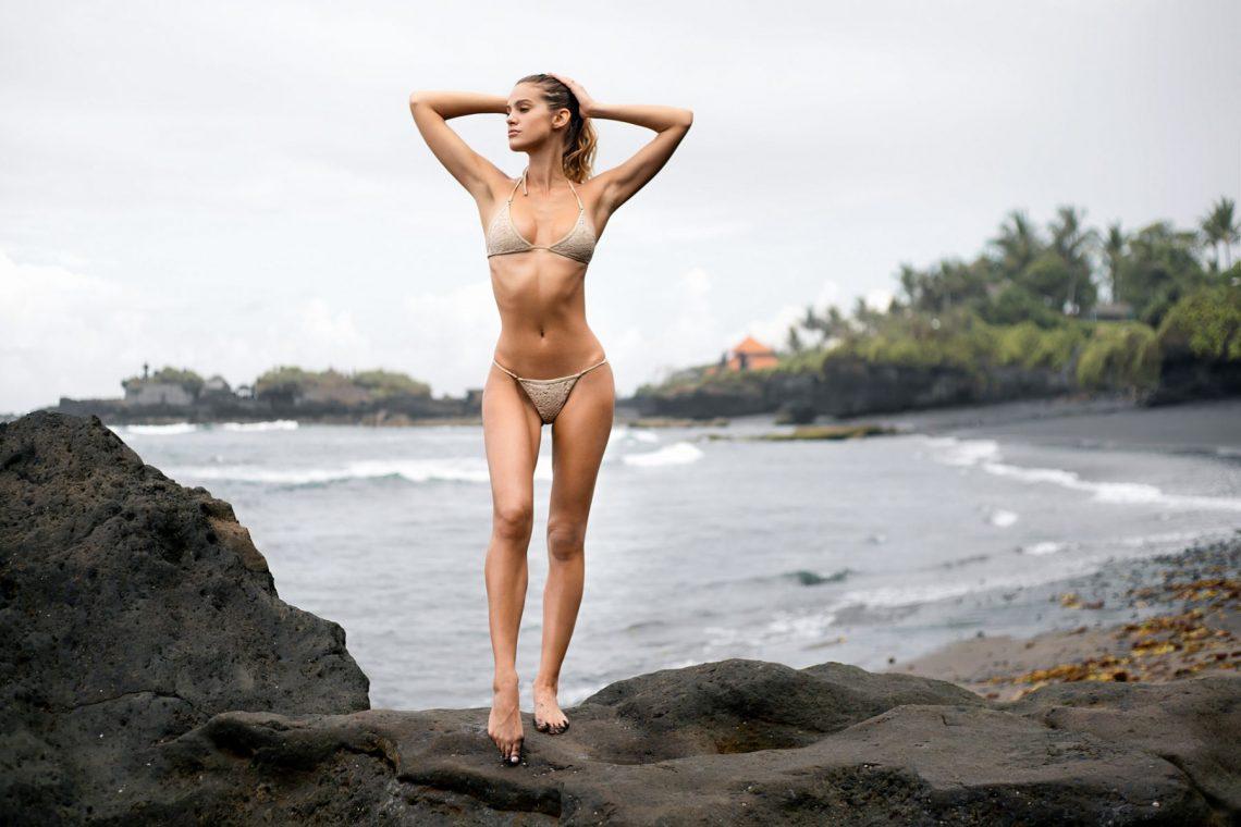 Balistarz-model-Maria-zaitseva-out-door-shot-standing-near-the-beach-in-swim-suit-ocean-background