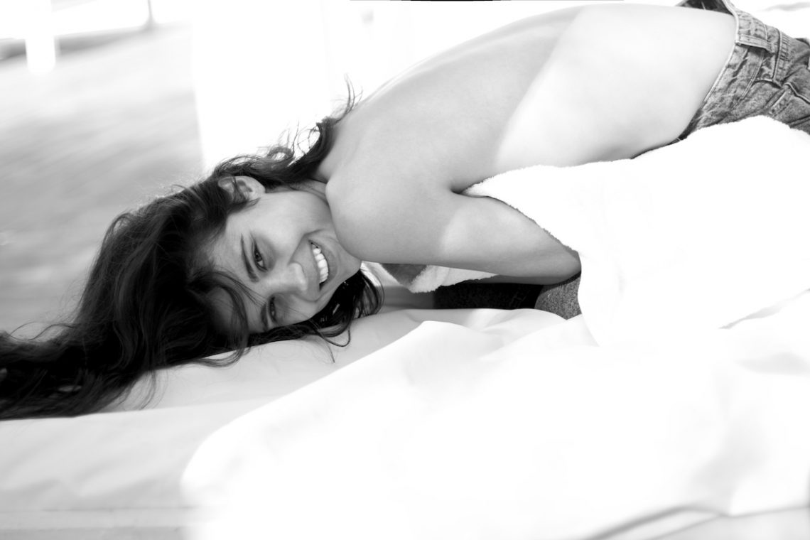 Balistarz-model-Marina-Yorosh-black-and-white-shoot-relax-portrait
