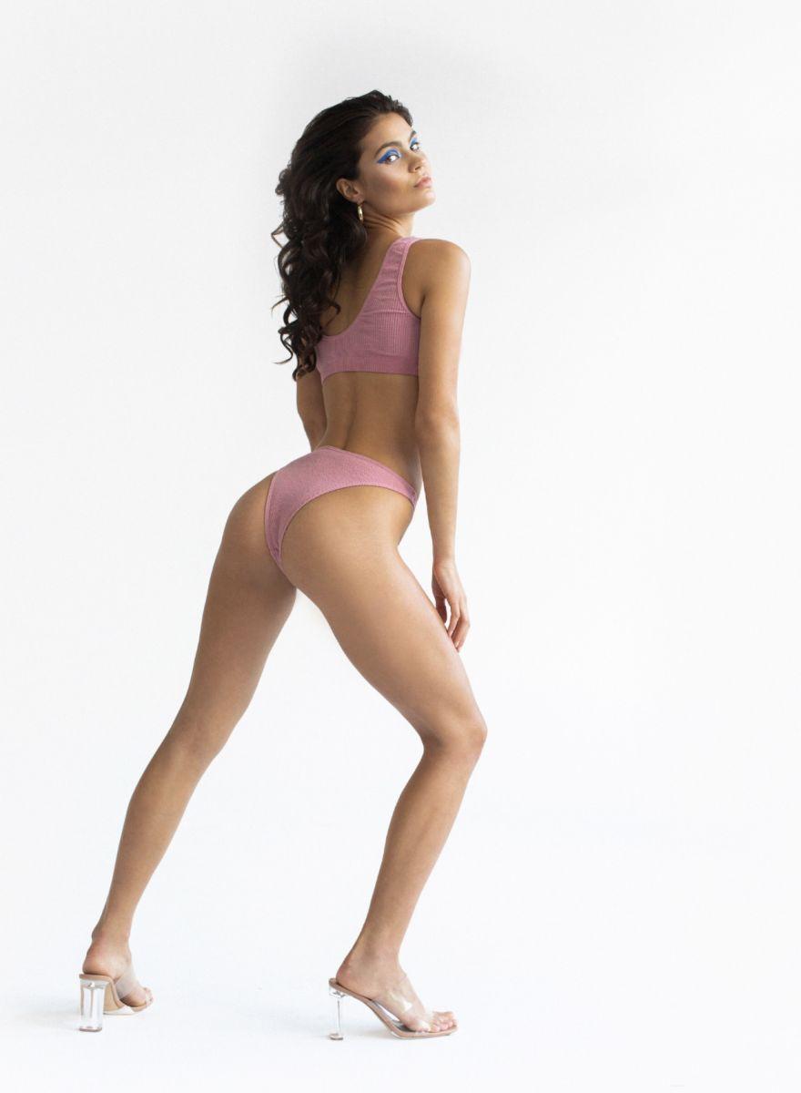 Balistarz-model-Marina-Yarosh-portrait-shoot-with-pink-garments-and-heels