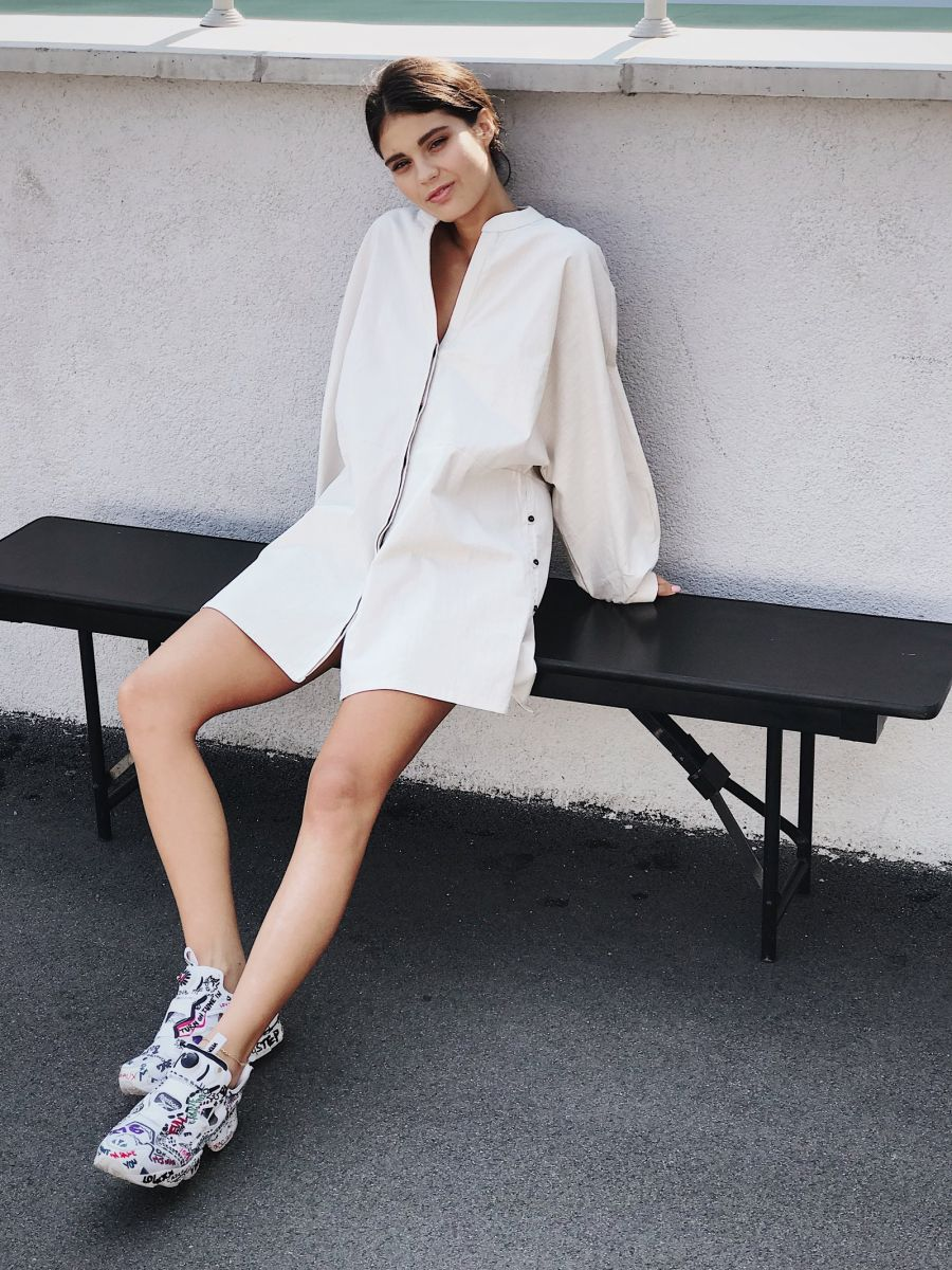 Balistarz-model-Marina-Yarosh-bench-shoot-with-oversized-jacket-and-shoes
