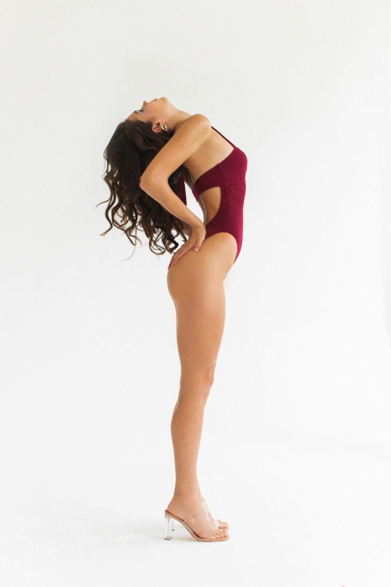 Balistarz-model-Marina-Yarosh-portrait-shoot-in-a-red-swimsuit-with-heels