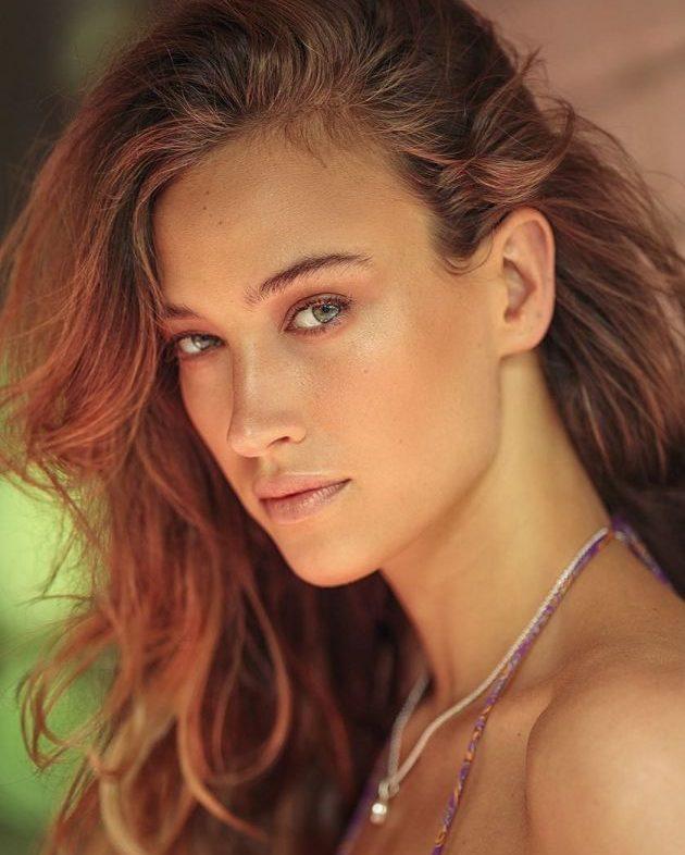 Balistarz-model-Meg-Lindsay-shiny-and-vibrant-headshot