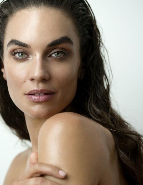Balistarz-model-Michelle-D'agostino-head-shot-shoot-look-ahead