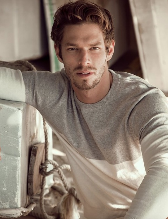 Balistarz-model-Mitch-Walker-profile-shot-colour