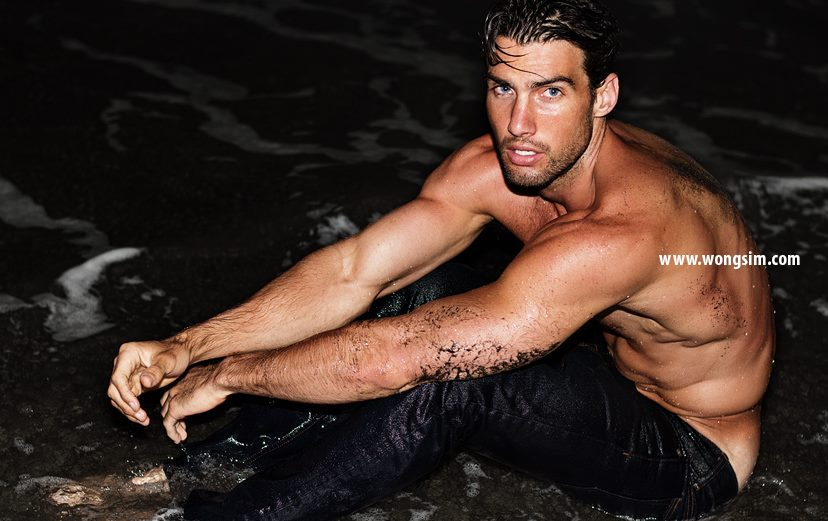 Balistarz-model-Mitchell-Wick-photo-taken-at-the-beach-wet