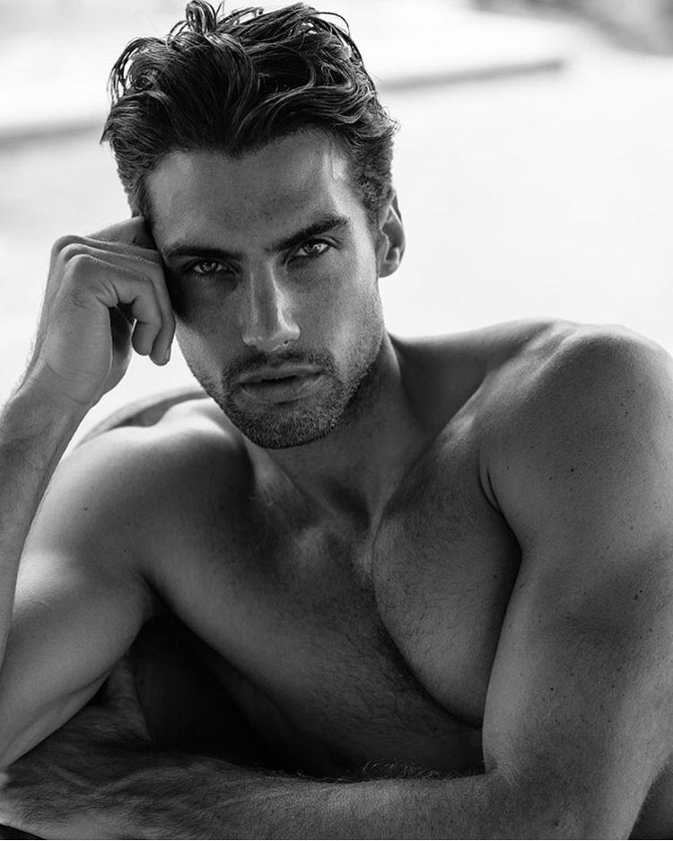 Balistarz-model-Mitchell-Wick-black-and-white-portrait-profile-photo-medium-to-close-up