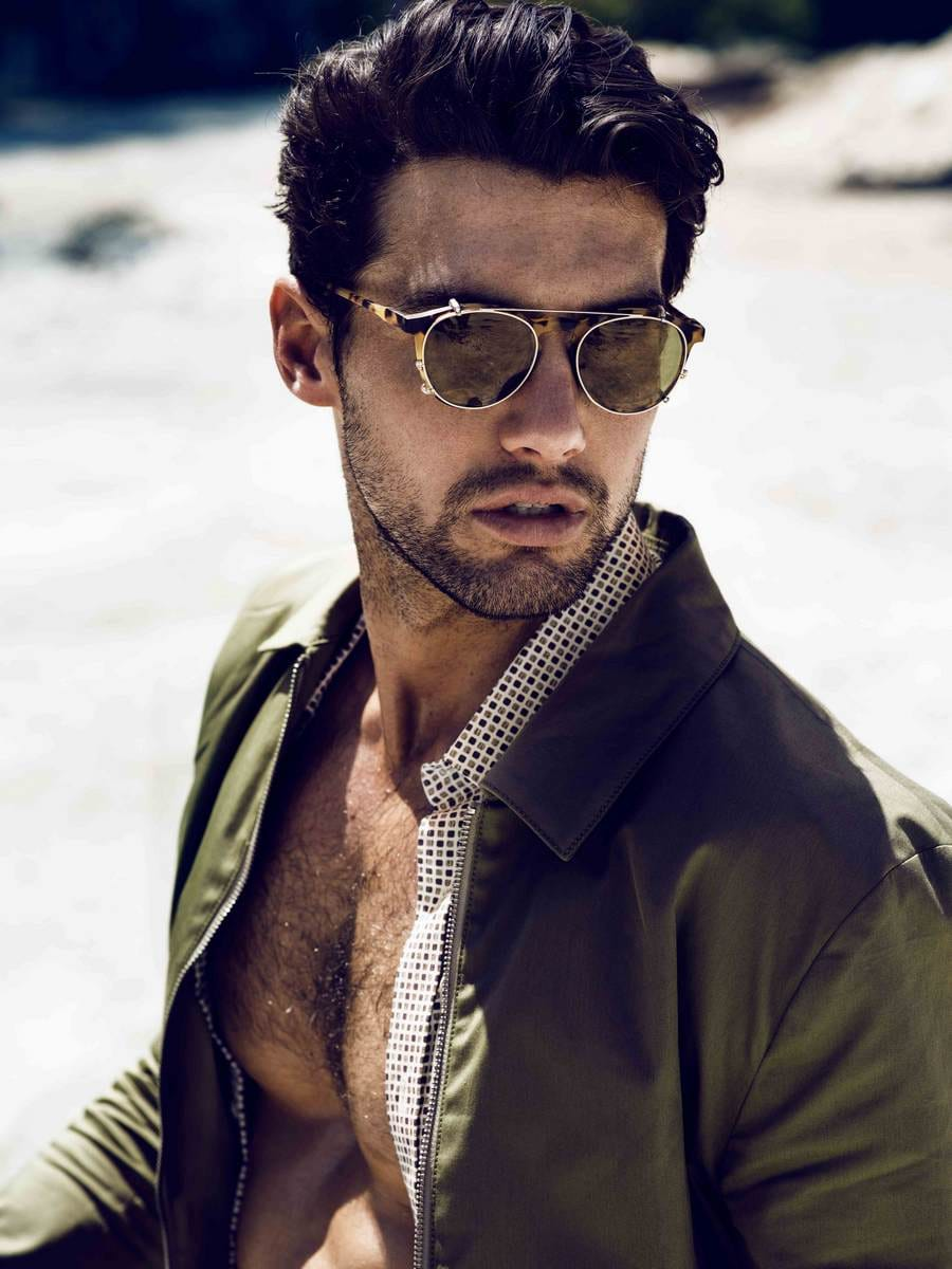 Balistarz-model-Mitchell-Wick-portrait-fashion-shot-showing-new-trend-eye-glasses