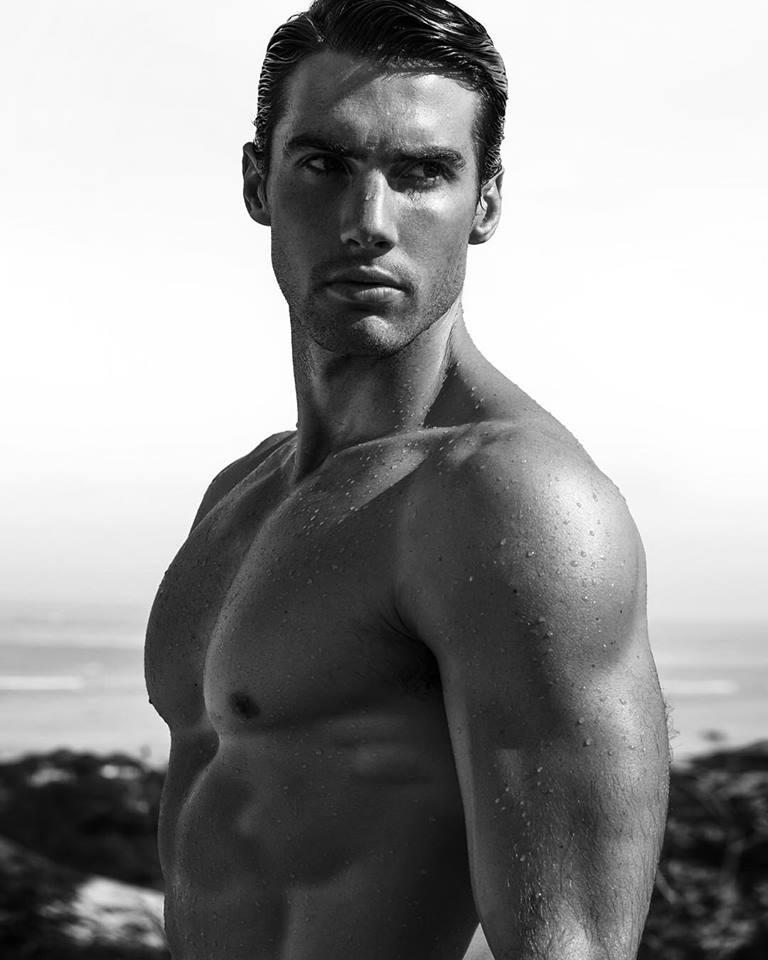 Balistarz-model-Mitchell-Wick-close-up-portrait-shot-portfolio-in-black-and-white-image
