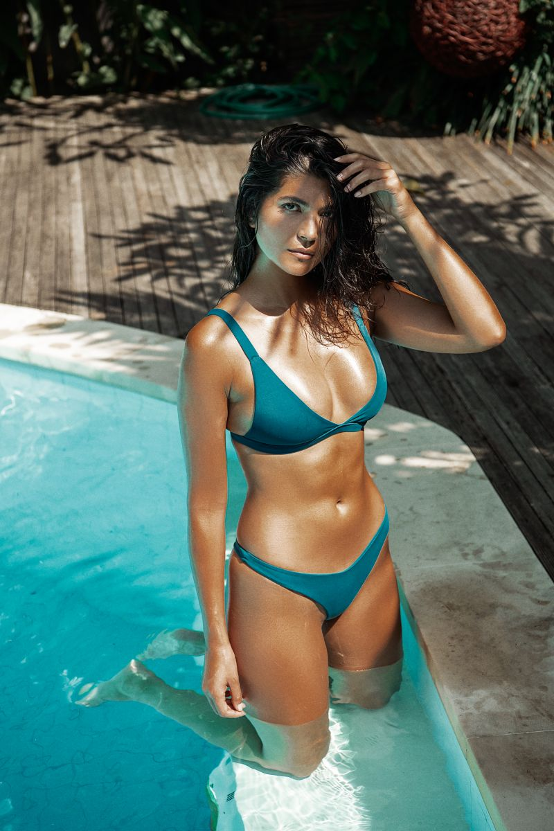 Balistarz-model-Nena-France-wearing-blue-bikini-at-the-swimming-pool