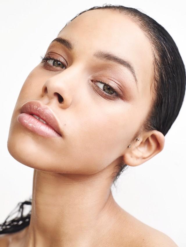 Balistarz-model-Nisirina-Sbia-head-shot-hilt-curiousity