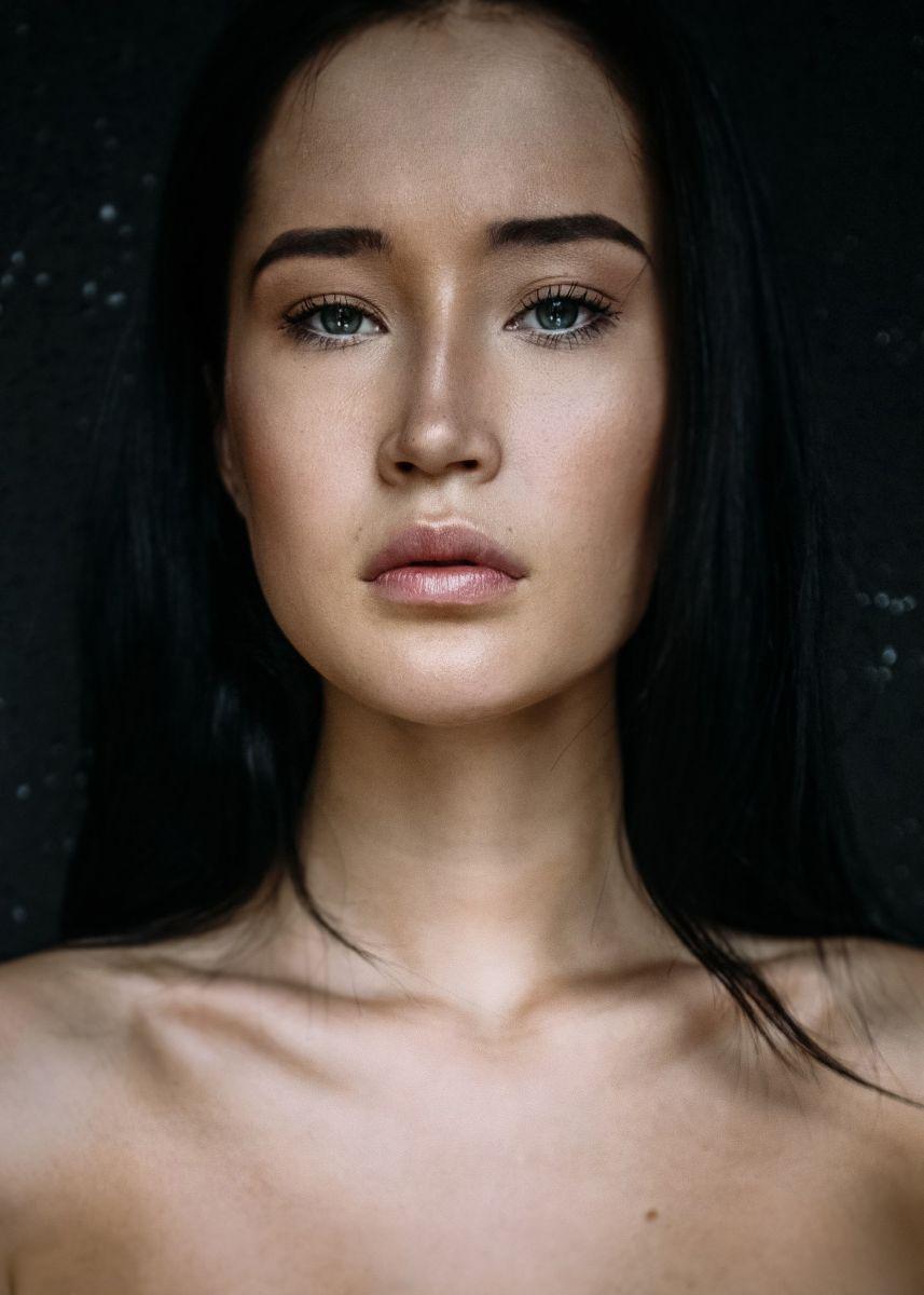 Balistarz-model-Olga-Portnova-headshot-profile-shoot