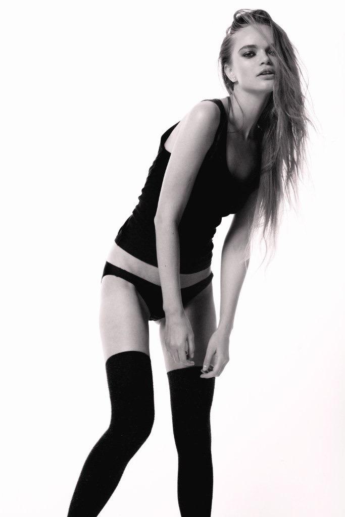 Balistarz-model-Olga-Zinovyeva-black-and-white-portrait-shoot-in-sleepwear