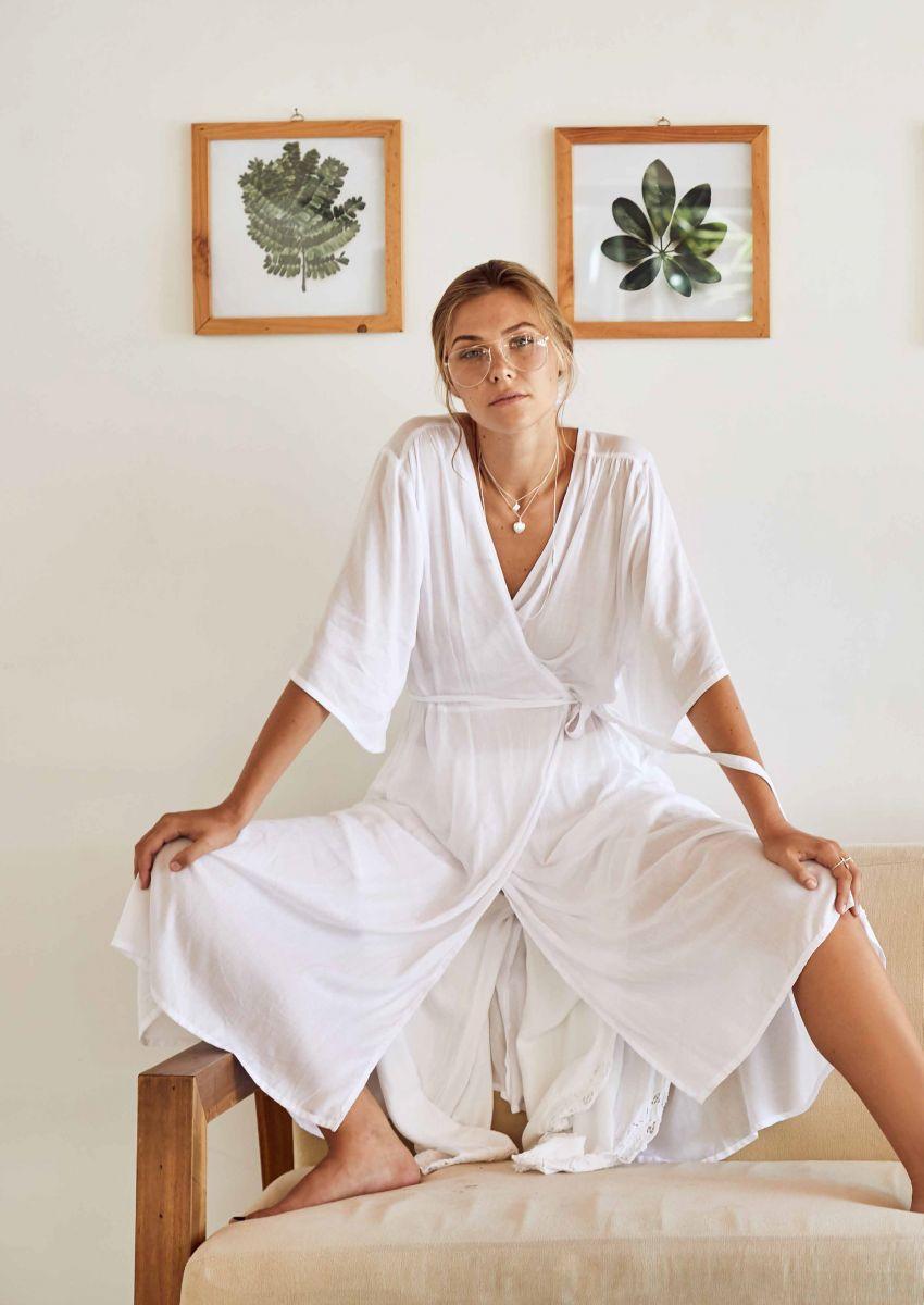 Balistarz-model-Olya-Nechiporenko-looks-comforable-in-her-white-long-home-dress