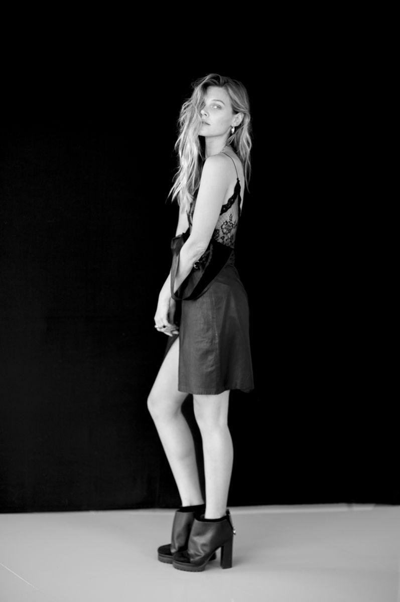 Balistarz-model-Olya-Nechiporenko-fashion-shoot-in-black-and-white