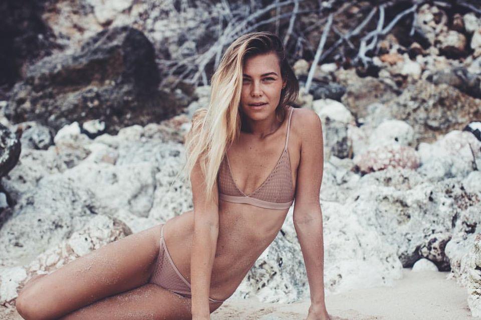 Balistarz-model-Olya-Nechiporenko-film-look-images-she-is-wearing-pink-bikini