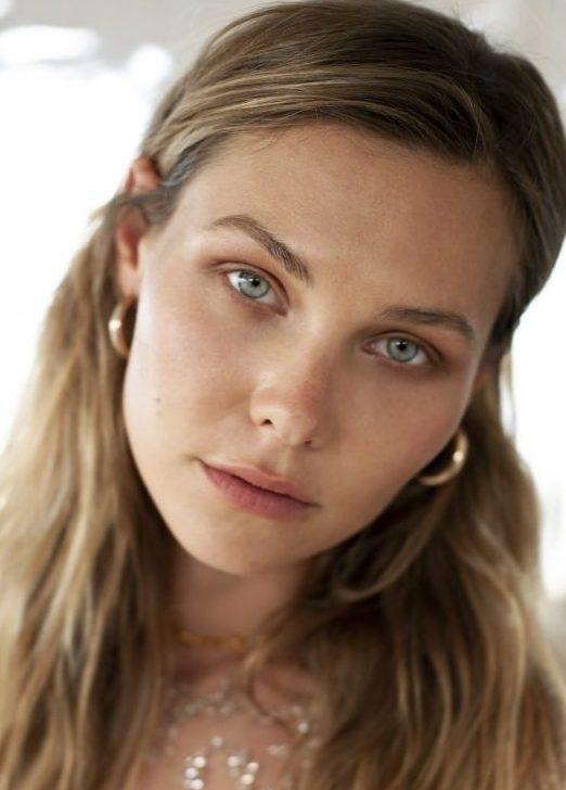 Balistarz-model-Olya-Nechiporenko-head-shot-profile-green-eyes