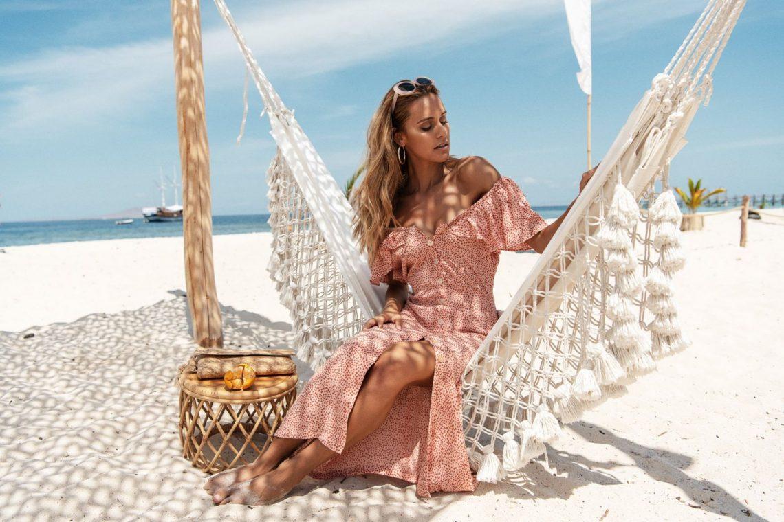 Balistarz-model-Paula-Salort-portrait-shoot-for-Beach-gold-with-a-hammock-on-the-beach