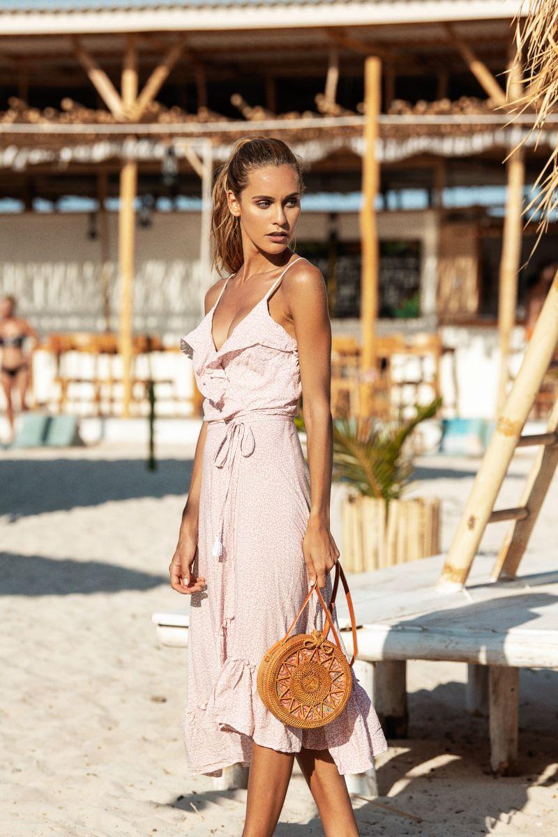 Balistarz-model-Paula-Salort-portrait-shoot-for-Beach-gold-in-a-dress-on-the-beach-with-a-bar