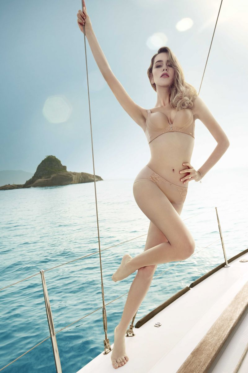 Balistarz-model-Paula-Salort-posing-on-a-yacht-wearing-sexy-bikini