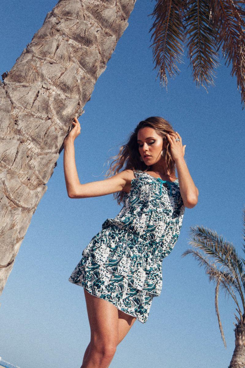 Balistarz-model-Paula-Salort-casual-look-in-trendy-mini-dress
