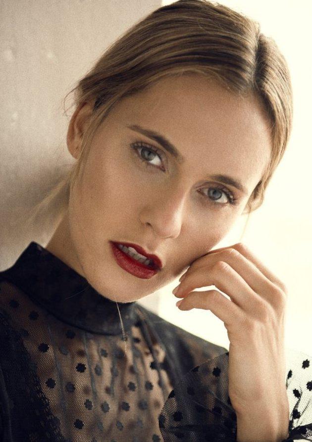 Balistarz-model-Paula-Salort-shot-for-fashion-and-beauty-close-up-portrait