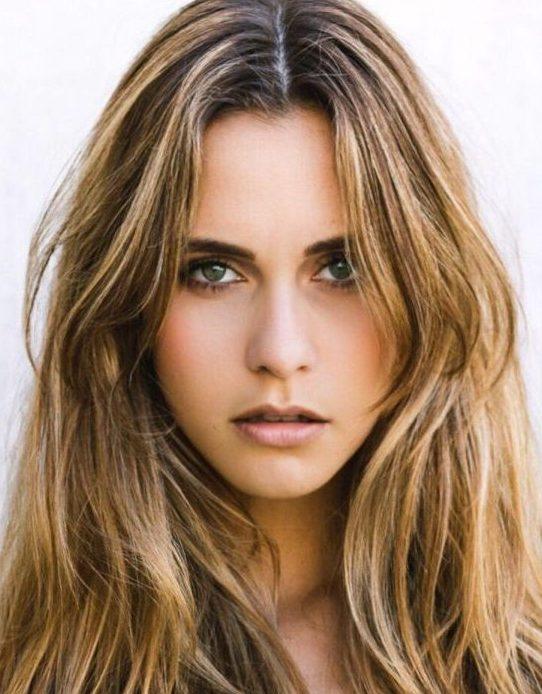 Balistarz-model-Paula-Salort-profile-shot-close-up