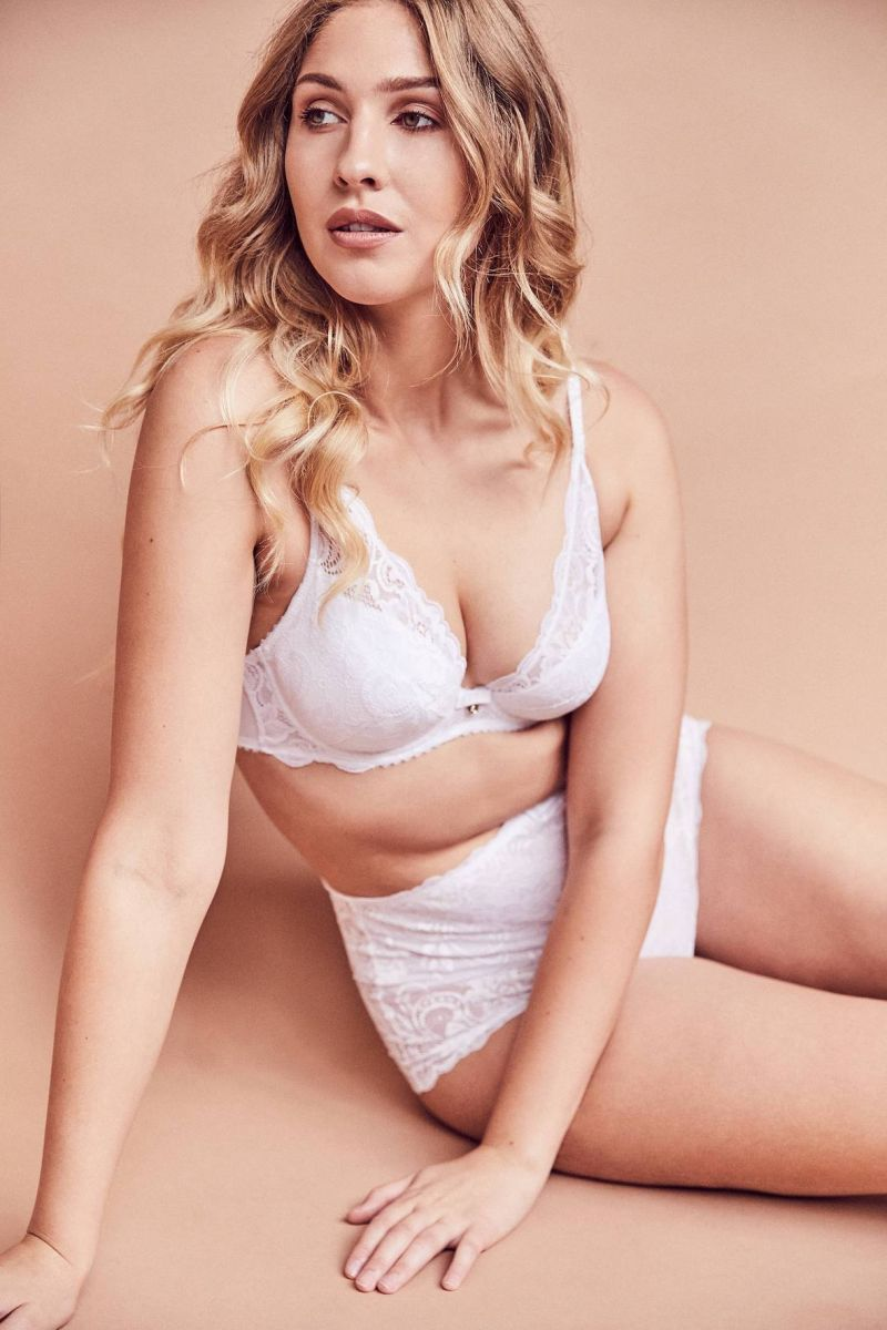 Balistarz-model-Rachel-Bowler-portrait-shoot-in-white-lingerie