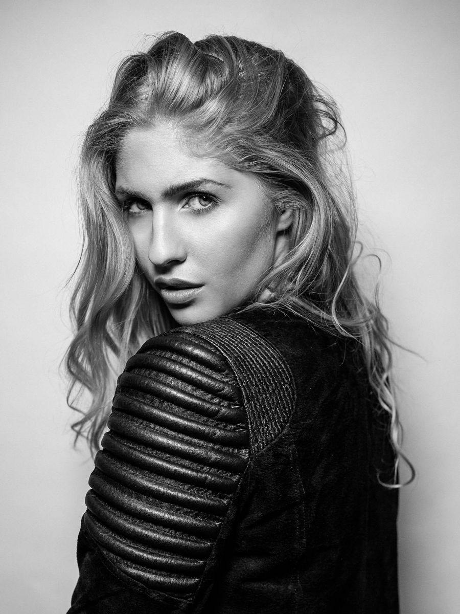 Balistarz-model-Rachel-Bowler-black-and-white-portrait-shoot-in-a-leather-jacket