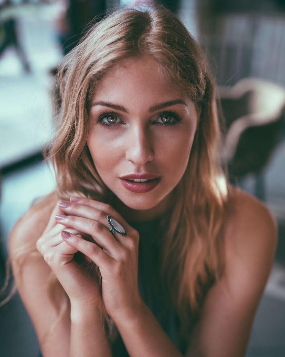 Balistarz-model-Rachel-Bowler-portrait-profile-closeup-shoot