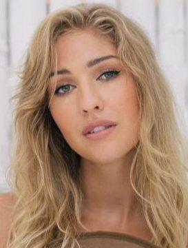 Balistarz-model-Rachel-Bowler-headshot-portrait-shoot