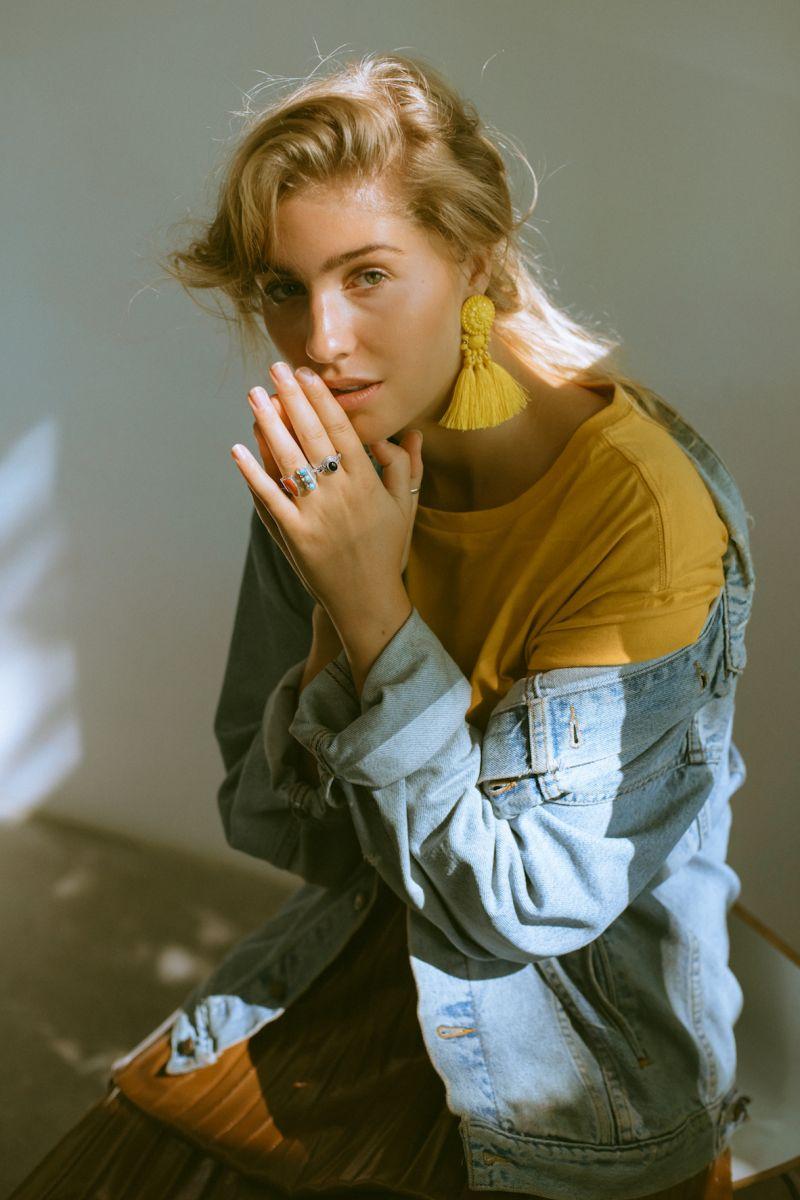 Balistarz-model-Rachel-Bowler-portrait-shoot-in-a-denim-jacket-and-a-yellow-shirt