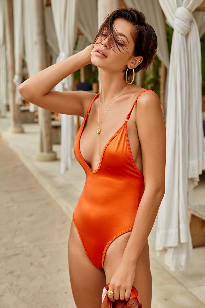 Balistarz-model-Raluca-Cojocaru-wearing-orange-swim-suit-at-bali-beach-club