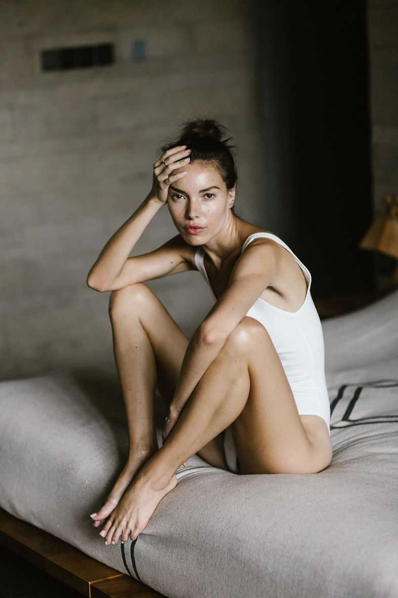 Balistarz-model-Renya-Gorlanova-sitting-on-the-bed-enjoying-her-free-me-time