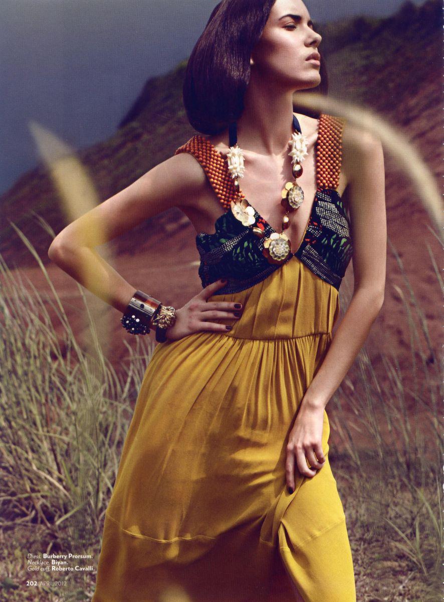 Balistarz-model-Renya-Gorlanova-fashion-outdoor-photo-shoot
