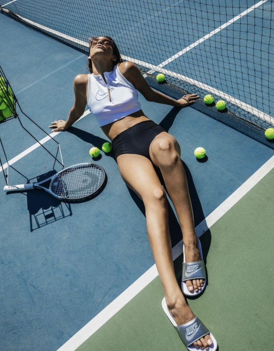Balistarz-model-Samantha-Garza-portrait-shoot-on-a-tennis-field-in-nike-clothing