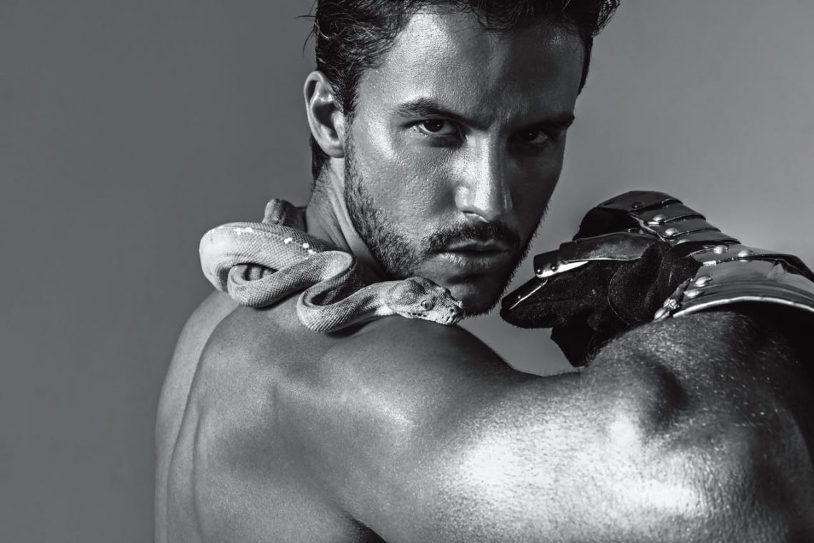 Balistarz-model-Santiwaine-Tuler-black-and-white-landscape-shoot-with-snake