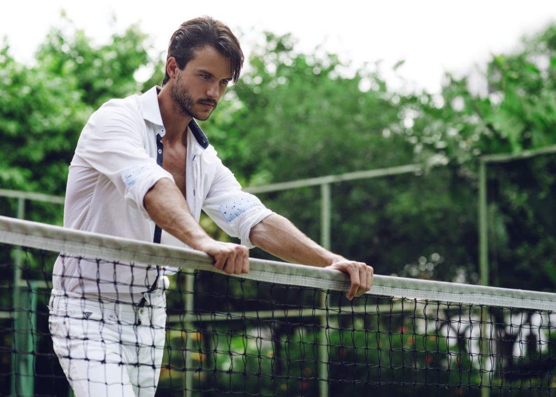 Balistarz-model-Santiwaine-Tuler-landscape-tennis-shoot-in-casual-white-outfit