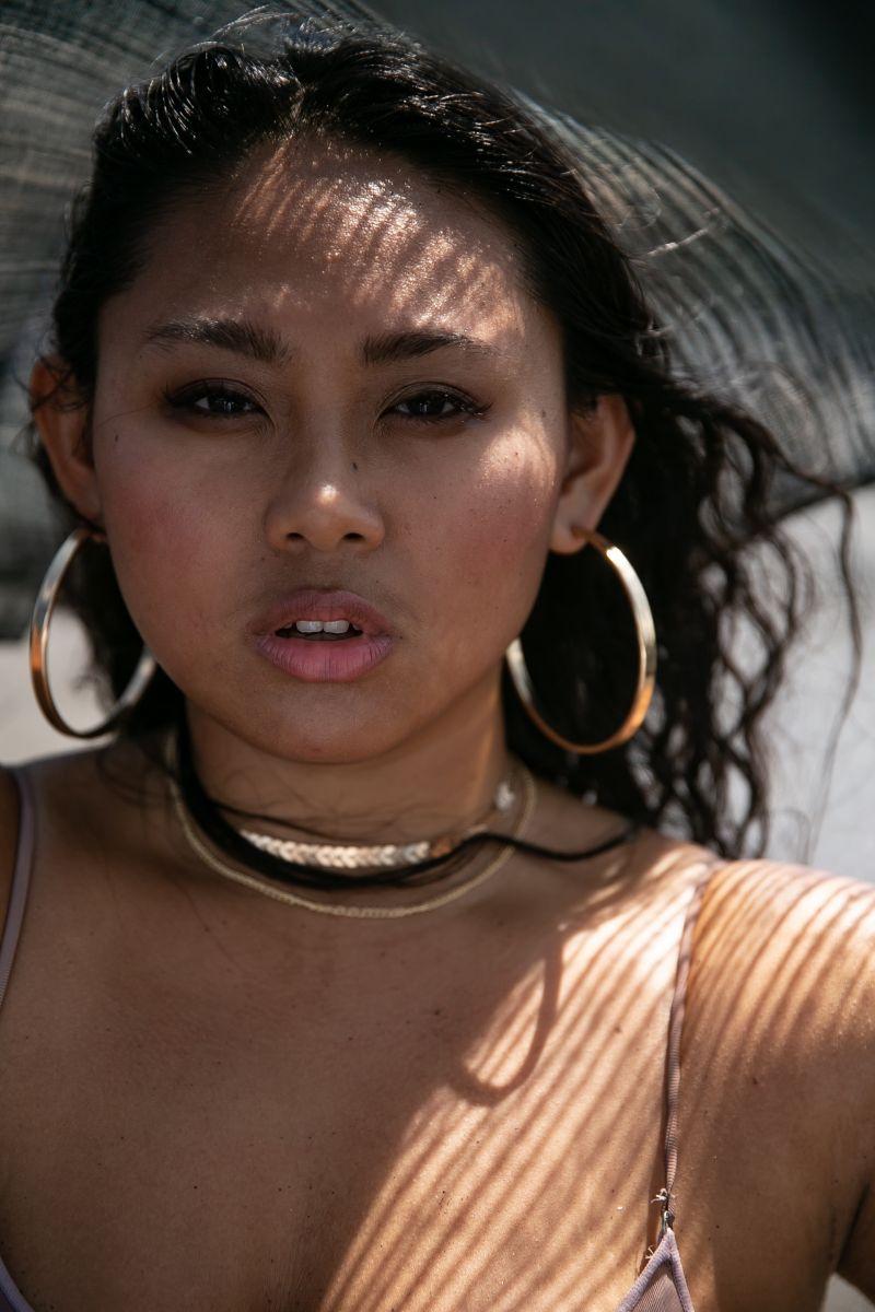 Balistarz-model-Sari-Wulandani-portrait-closeup-shoot-with-earrings