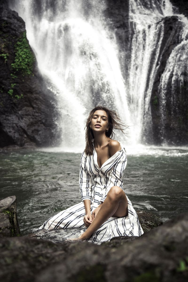 Balistarz-model-Sasha-AP-outdoor-photo-session-near-the-water-fall