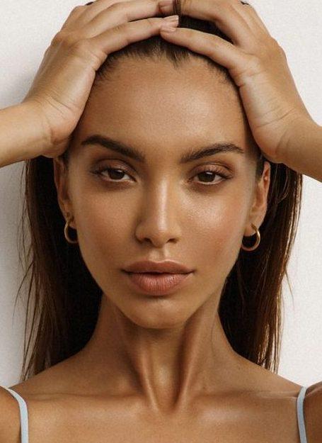 Balistarz-model-Sasha-Apostoliluc-Profile-Bra-Bikini